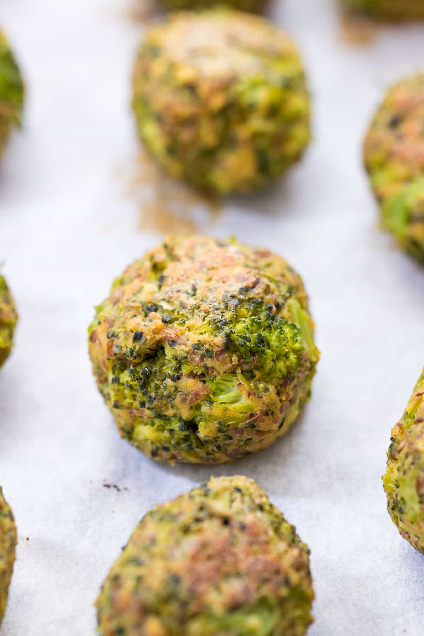 these are the BEST broccoli tots ever -- just a few simple ingredients, high protein, vegan and gluten-free!