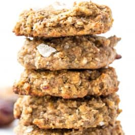 SALTED DATE QUINOA BREAKFAST COOKIES...made with only nutritious ingredients, no gluten, dairy OR refined sugar! [vegan]