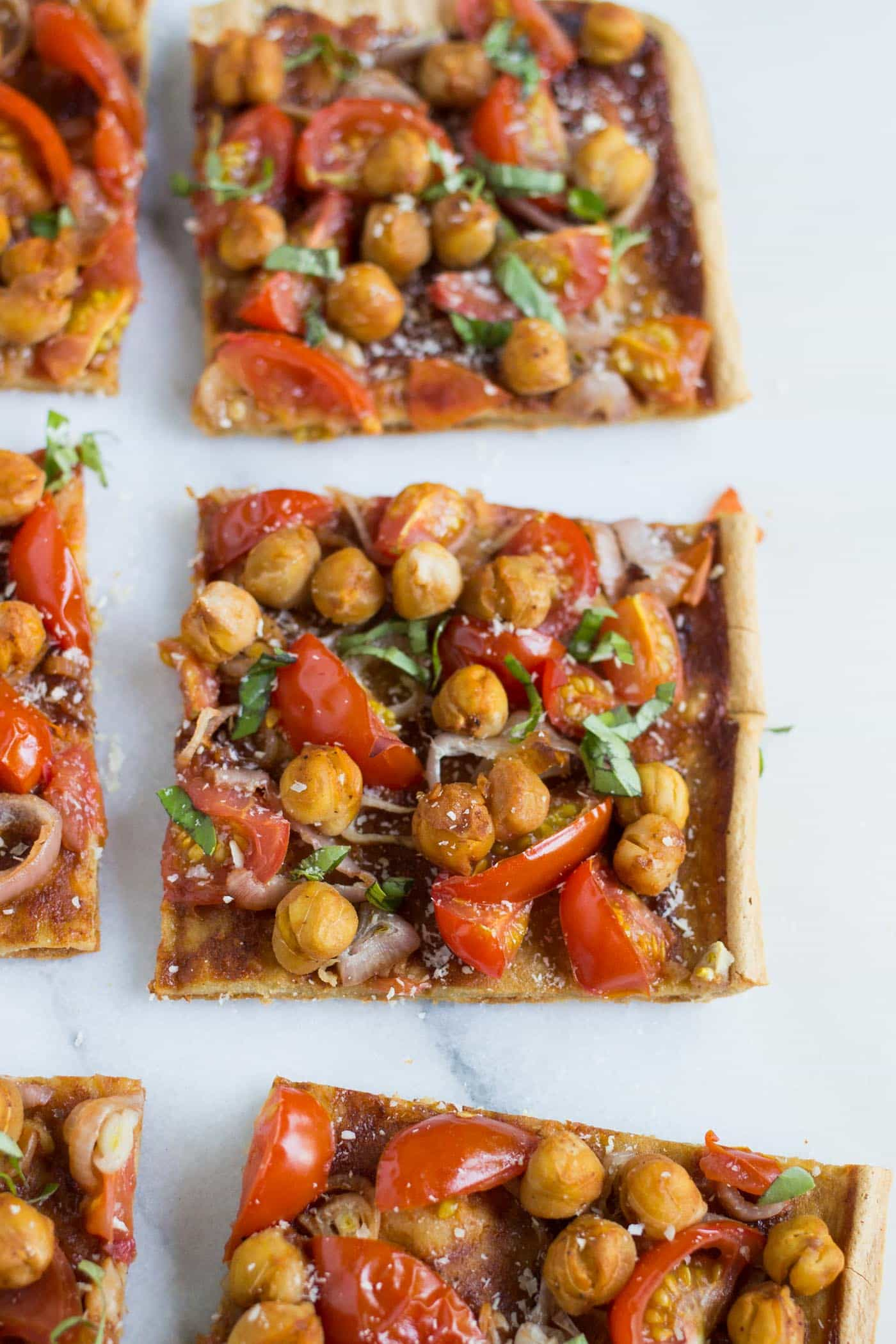 This super easy BBQ Quinoa Pizza is vegetarian, healthy and the perfect way to enjoy a favorite meal, just with a healthy spin!