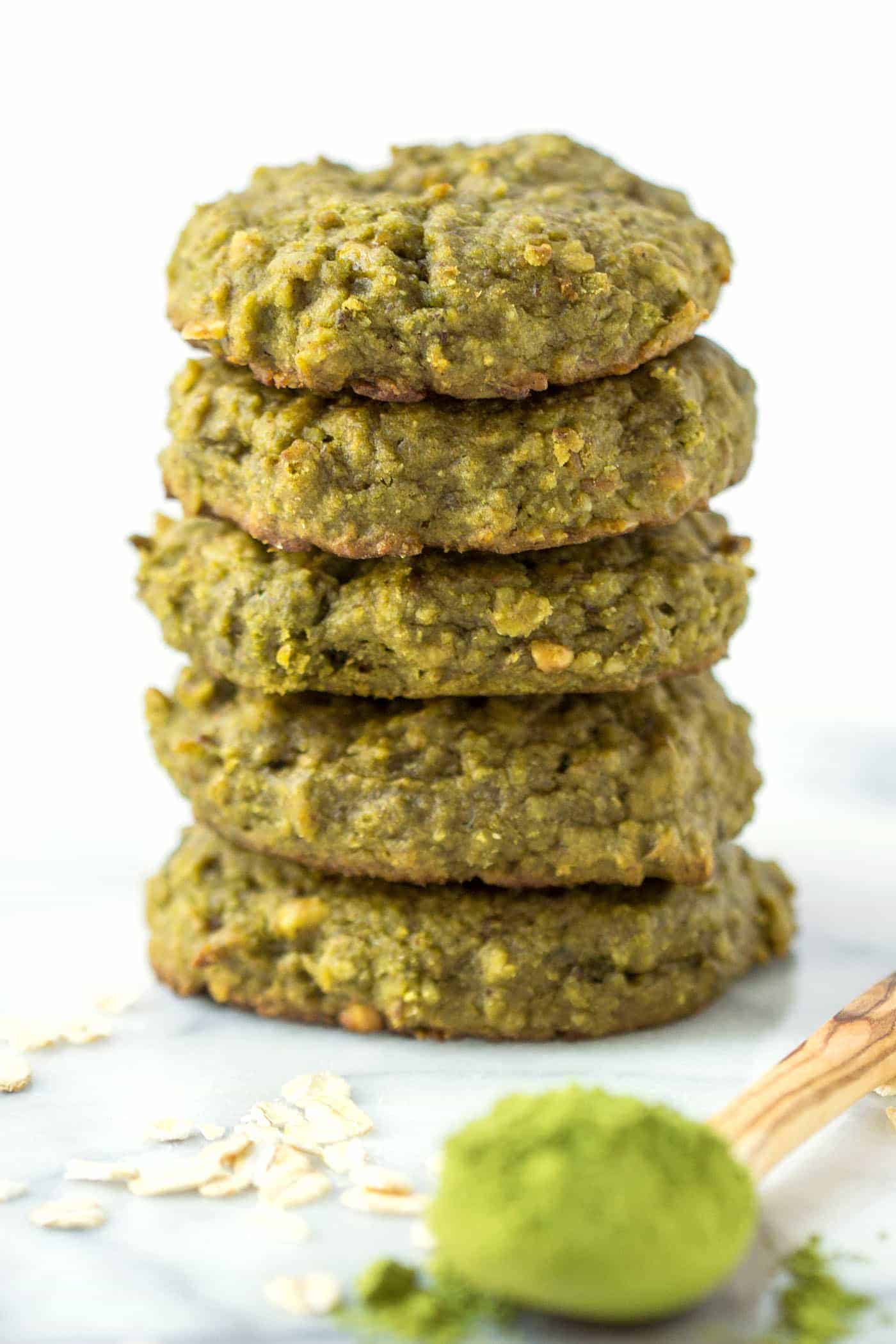 My favorite quinoa breakfast cookie flavor yet >> MATCHA! they're flavorful, energizing and the perfect way to start the day!