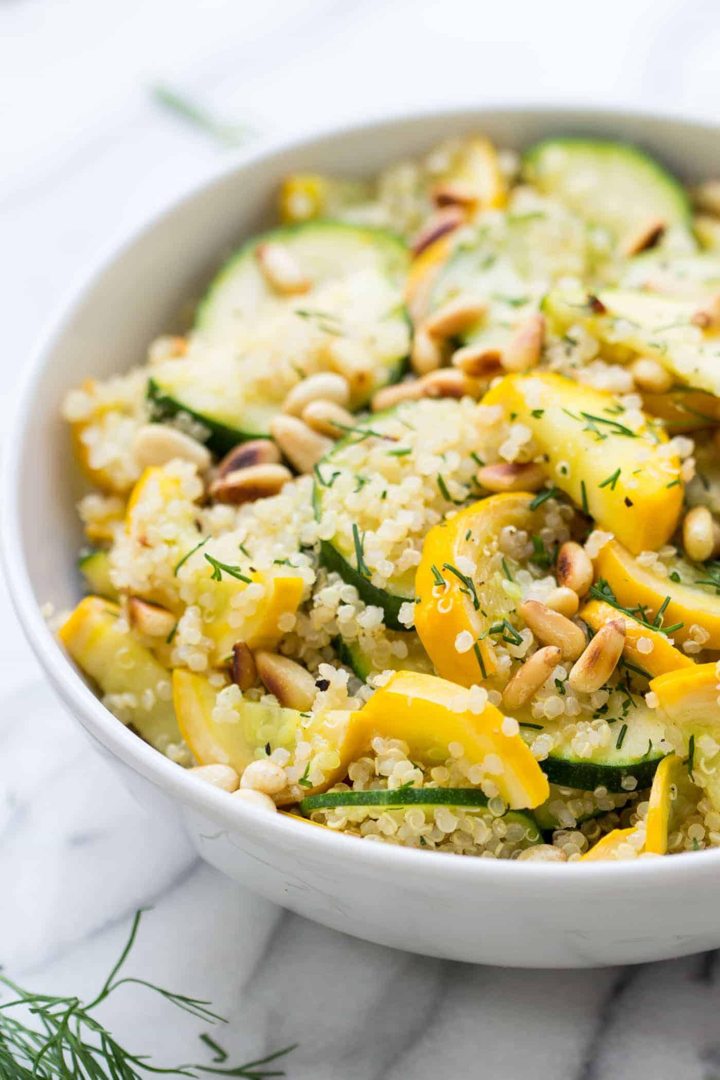 A simple summer salad >> Zucchini Quinoa Salad with a Lemon-Dill Dressing!