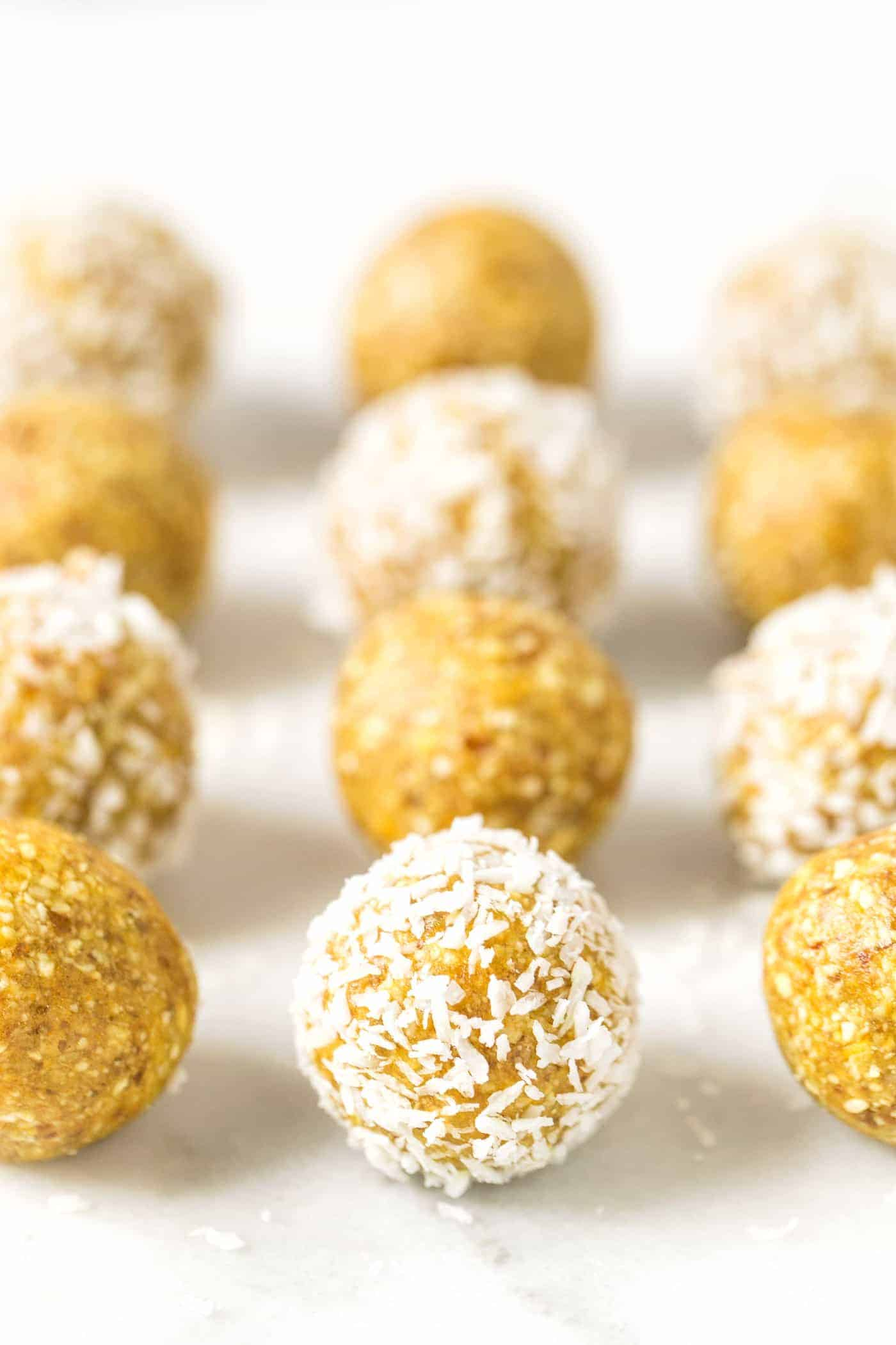 The BEST energy balls >> MANGO COCONUT!! taste like the tropics and are so healthy!
