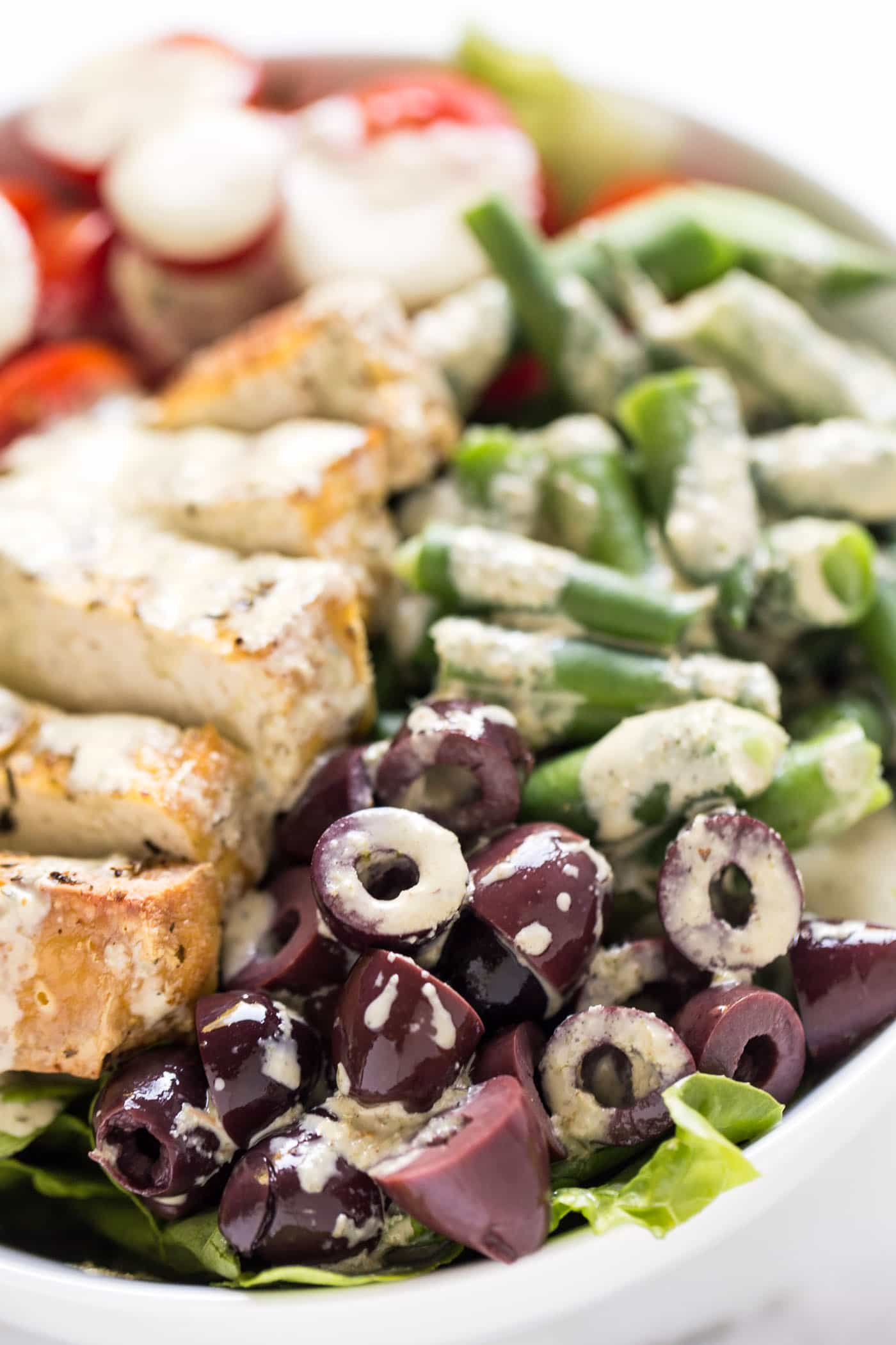 TOFU SALAD NICOISE >> a plant-based version of the classic French recipe with a healthy twist!