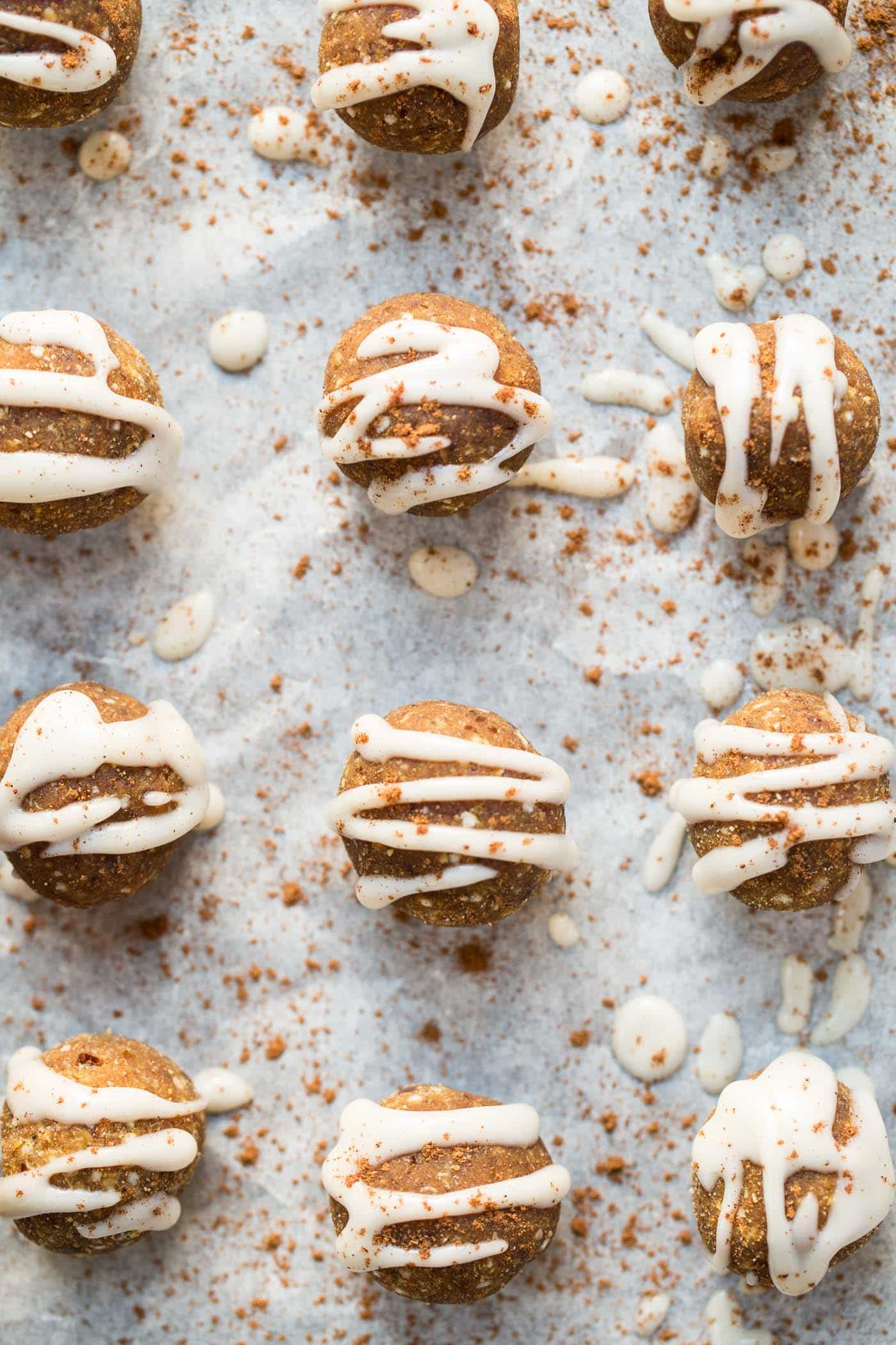 These NO BAKE healthy pumpkin spice truffles are super easy to make, packed with nutrients and vegan too!