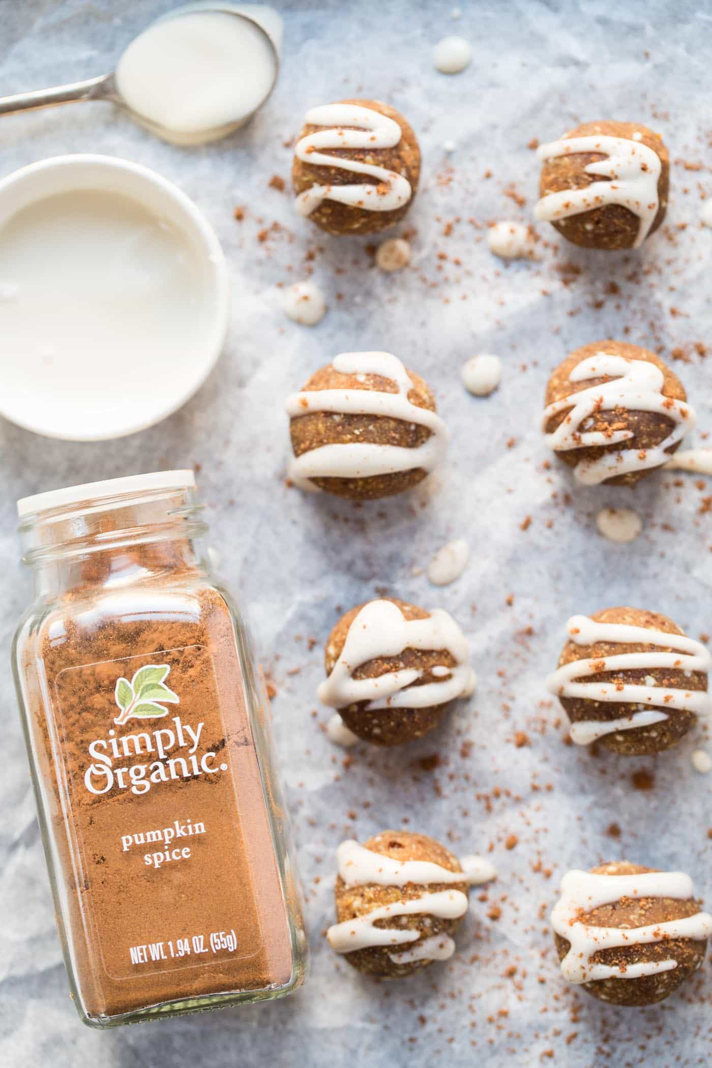 I'm obsessed with these NO BAKE pumpkin spice truffles -- love the clean ingredient list and that they're vegan too!