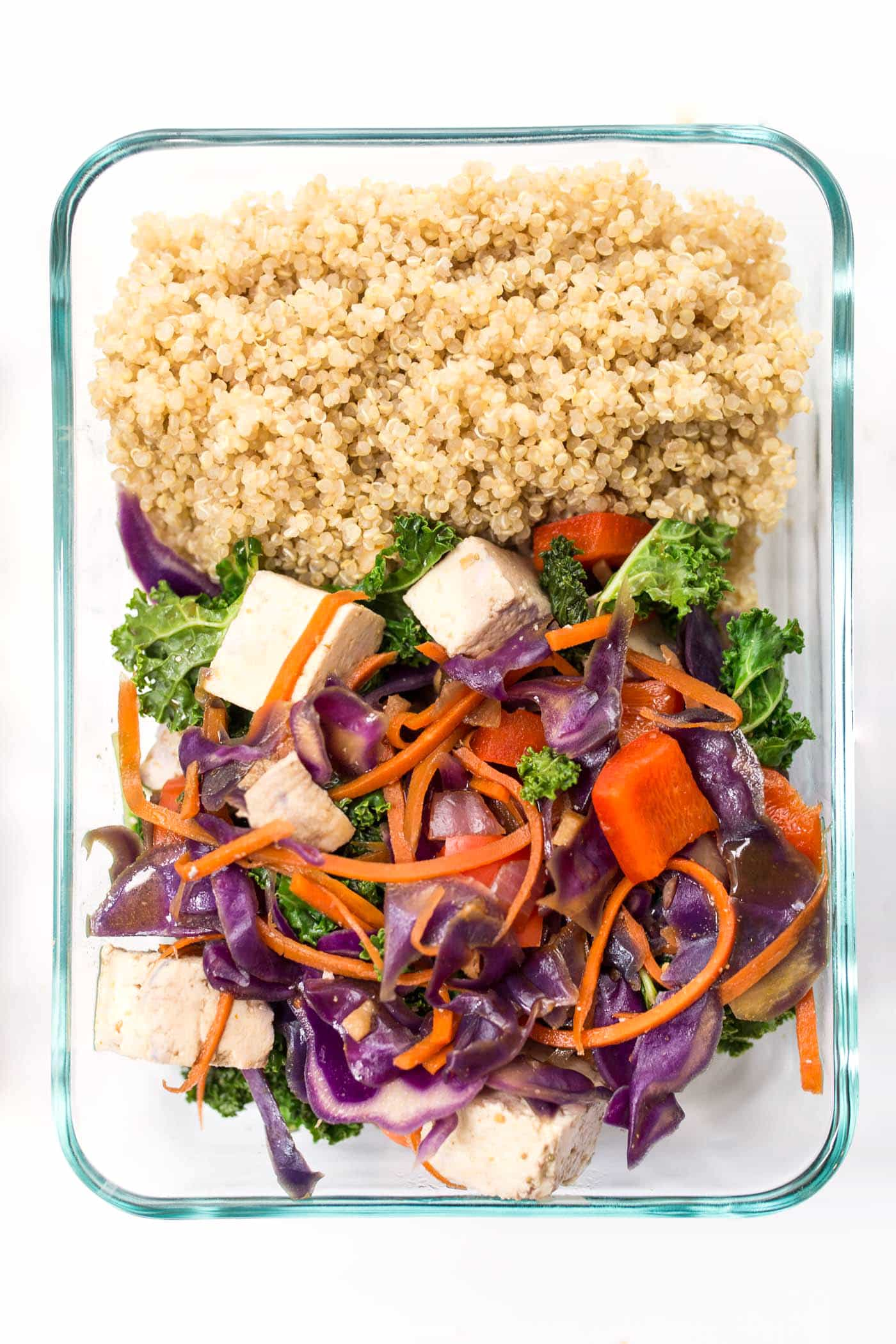 Rainbow Vegetable Quinoa Stir Fry is an awesome MEAL PREP recipe -- makes 5 - 6 servings and will last you all week!