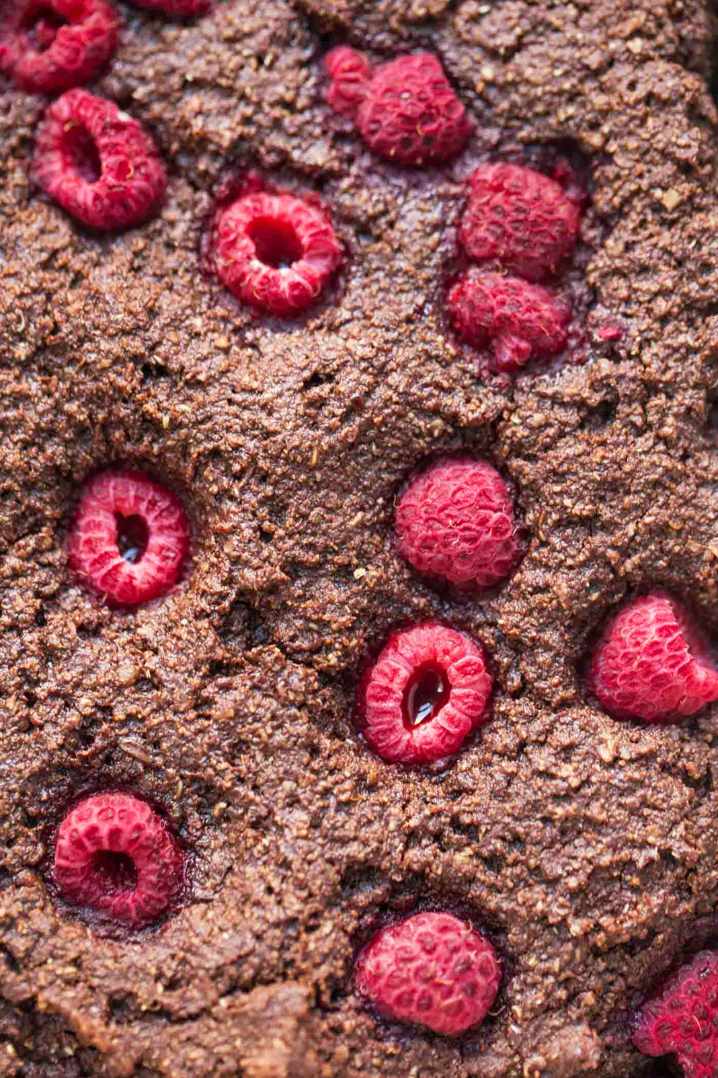 These HEALTHY Raspberry Quinoa Brownies are packed with protein (4.5g per brownie!) and vegan!
