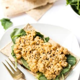 Smashed Buffalo Chickpea & Quinoa Flatbreads -- take just 10 minutes to make, are vegan and taste AMAZING!