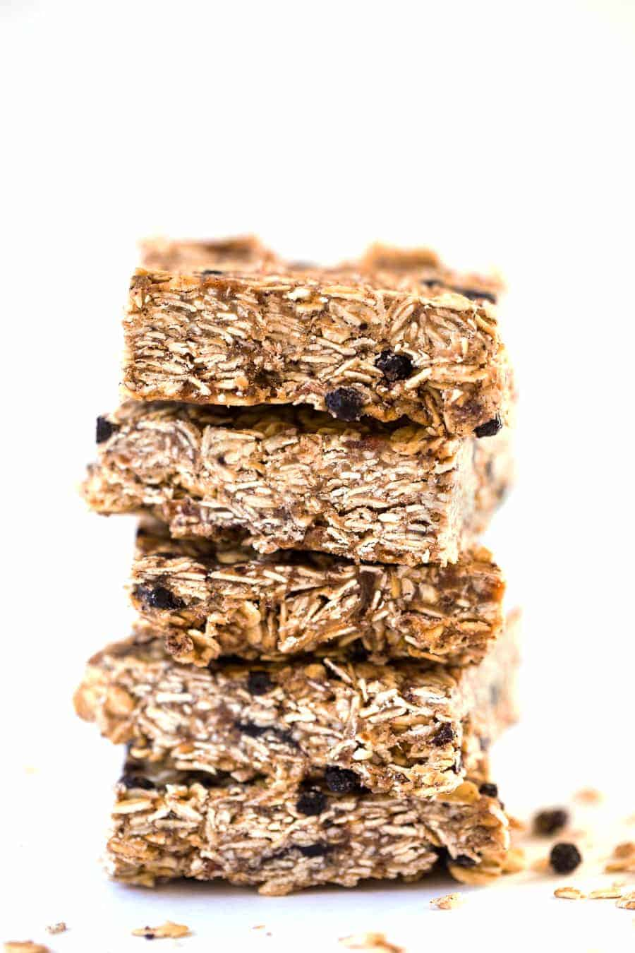 These NO BAKE Acai Granola Bars are a simple, DIY snack that is naturally sweet, vegan and SUPER healthy!