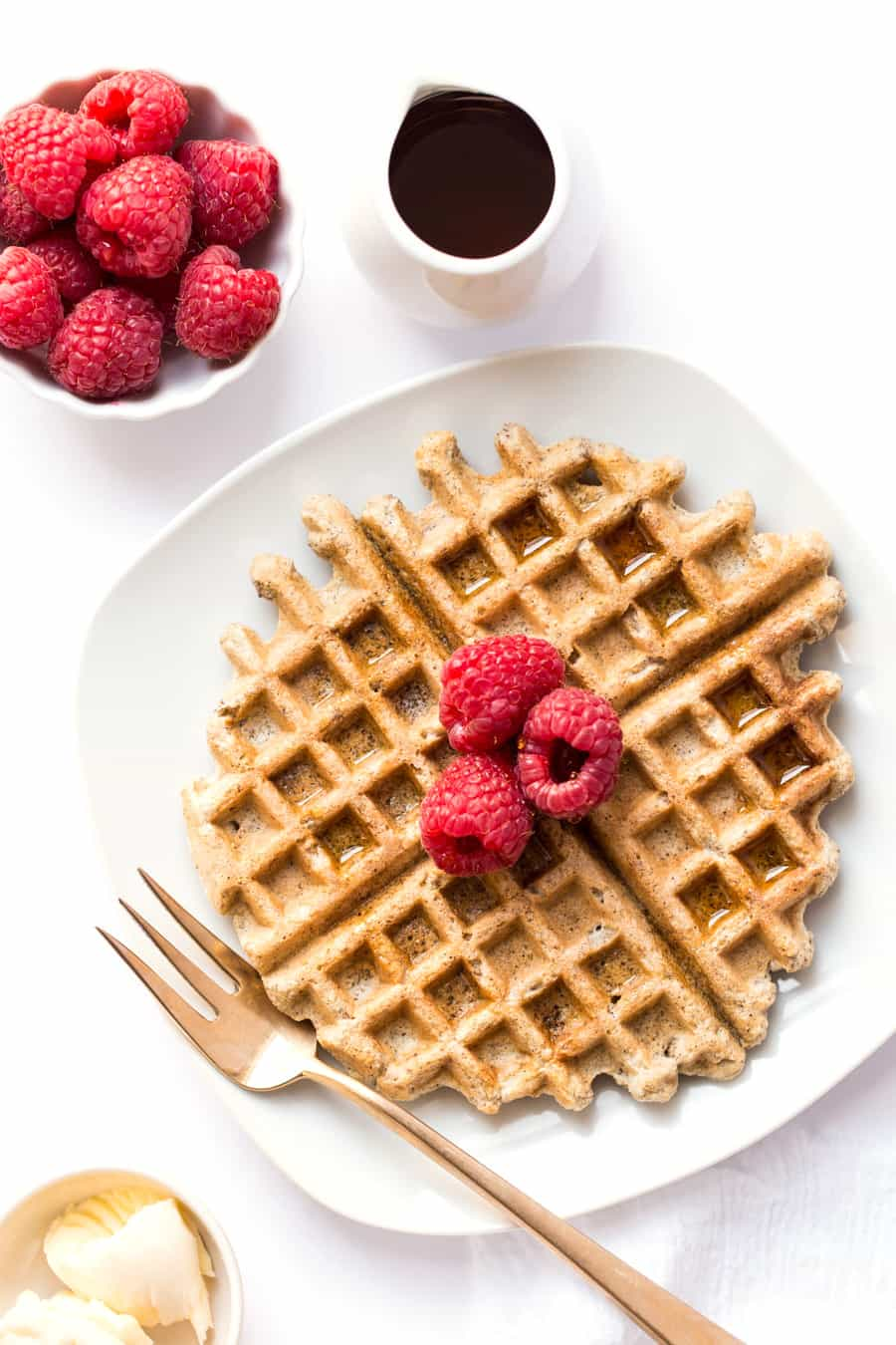 The ULTIMATE Almond Flour Waffles recipe - made with almond flour, quinoa flour and flaxseed meal, these wholesome waffles are light, fluffy and totally healthy!