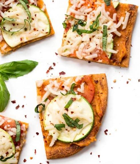 Summer Tomato & Zucchini Quinoa Pizza