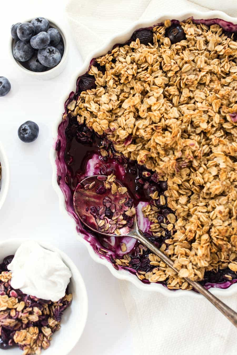 This BANANA BLUEBERRY CRUMBLE uses just 9 ingredients, one bowl and is SUPER healthy! [vegan + GF]
