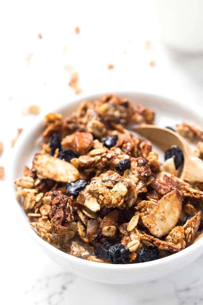 Whip up this delicious HONEY BLUEBERRY QUINOA GRANOLA for breakfast! Healthy, gluten-free, flavorful and fiber rich to keep you full all morning long!