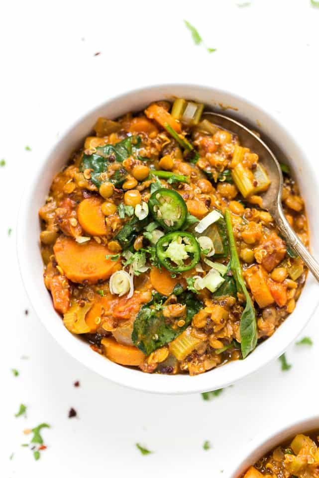 These ONE POT Moroccan Lentils + Quinoa make for a hearty, delicious and super cozy fall meal!