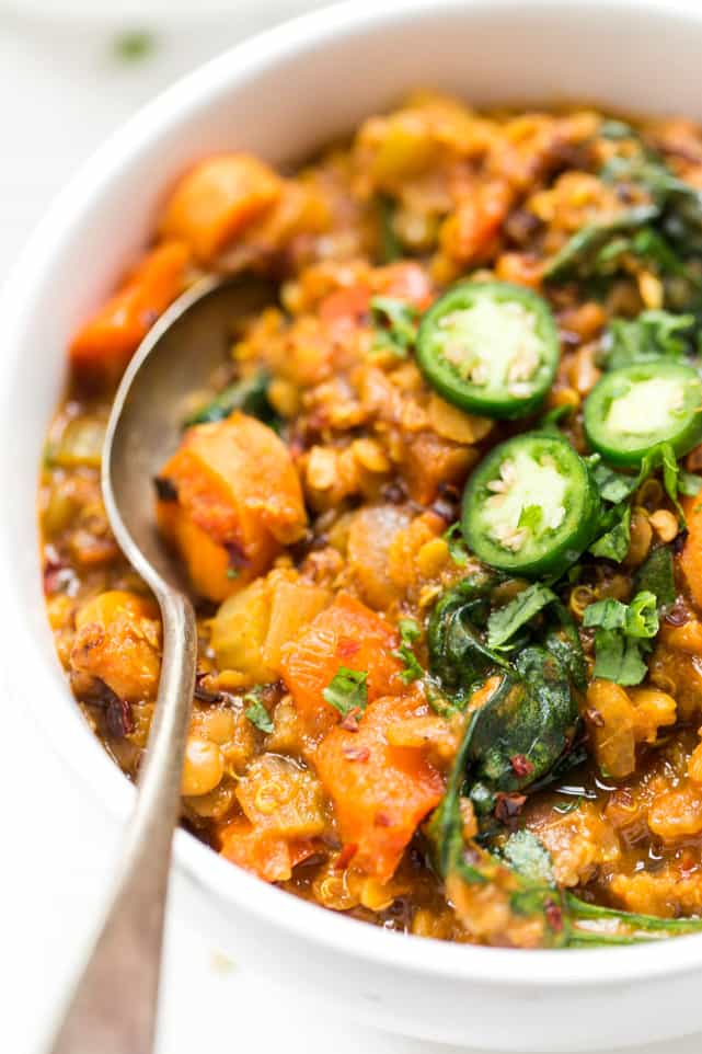 These Moroccan Lentils + Quinoa are made in just ONE POT and make for a hearty, delicious and super cozy fall meal!