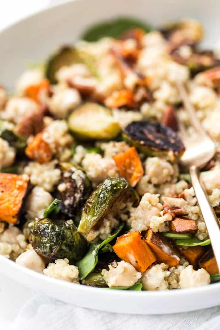 These Fall Harvest Mason Jar Quinoa Salads are the perfect seasonal meal and great for meal prep. They're packed with protein, simple to make and delicious!