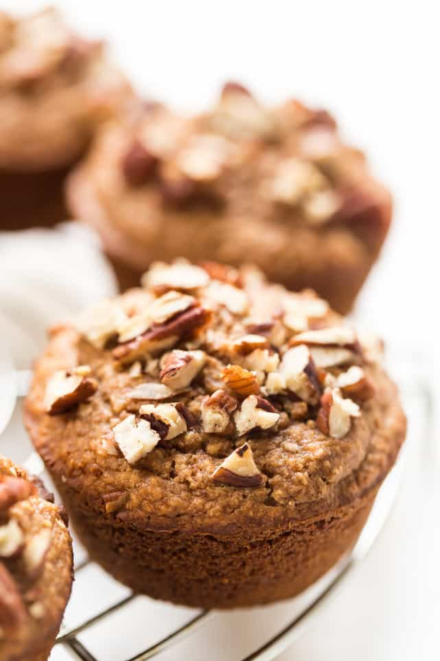 A HEALTHY Applesauce Muffin that's gluten-free, sweetened with honey, dairy-free, oil-free and whipped up in the blender in under 5 minutes flat!