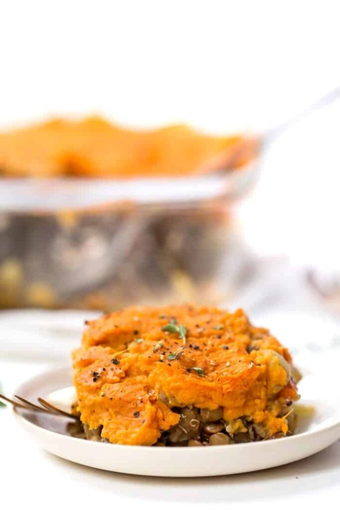 VEGAN SHEPHERD'S PIE with sweet potato, lentils & quinoa!