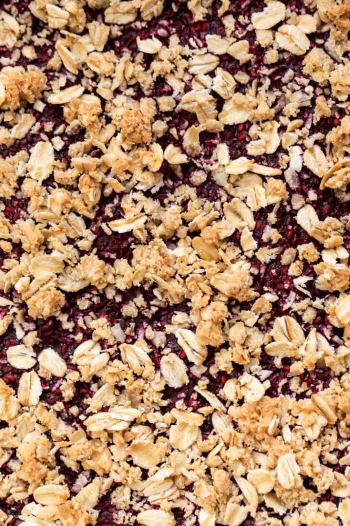 how to make perfect vegan raspberry oatmeal bars with oats and almond flour