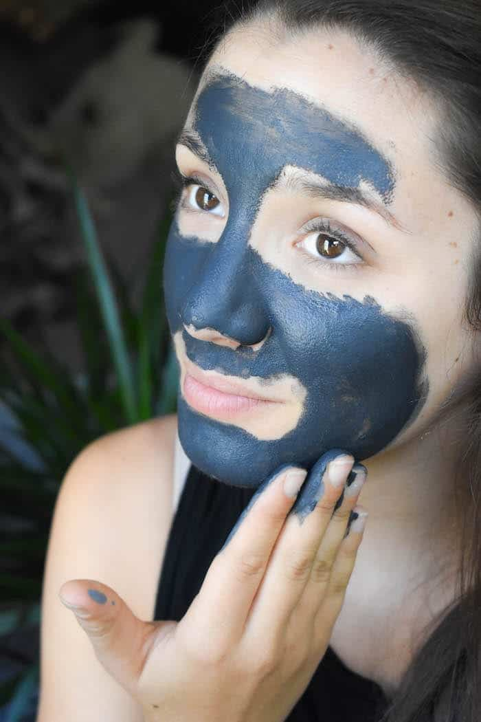 how to use the beautycounter charcoal mask