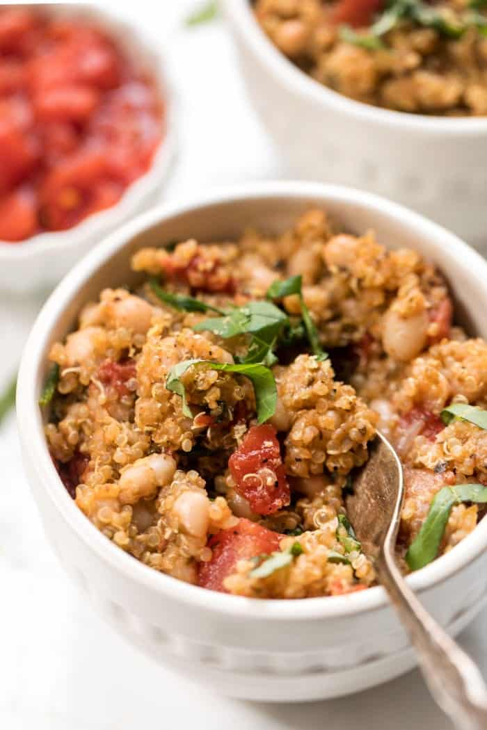 one pot italian quinoa with tomatoes, white beans and basil