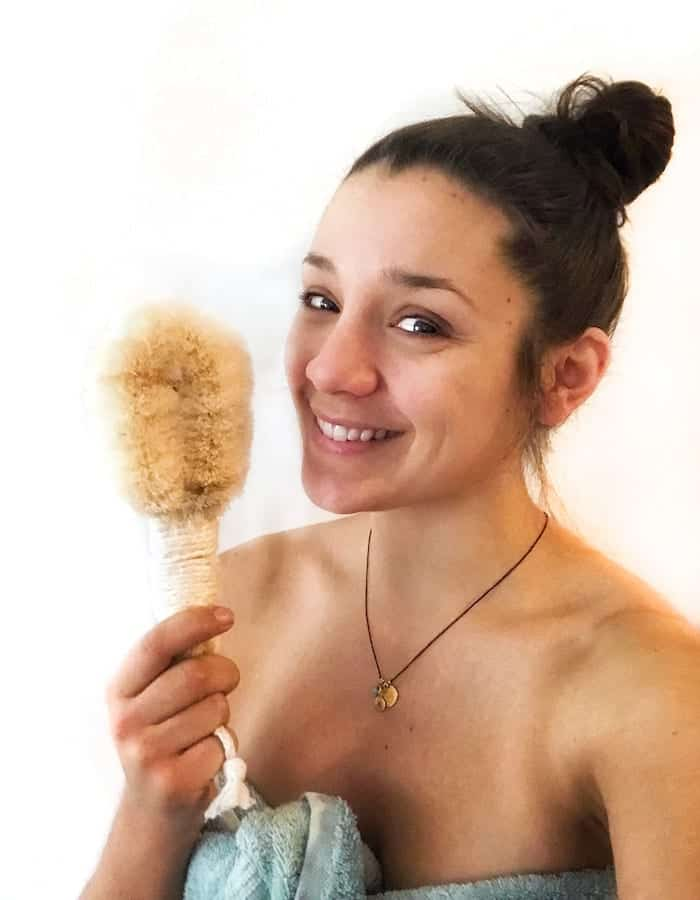 how to dry brush and benefits of dry brushing
