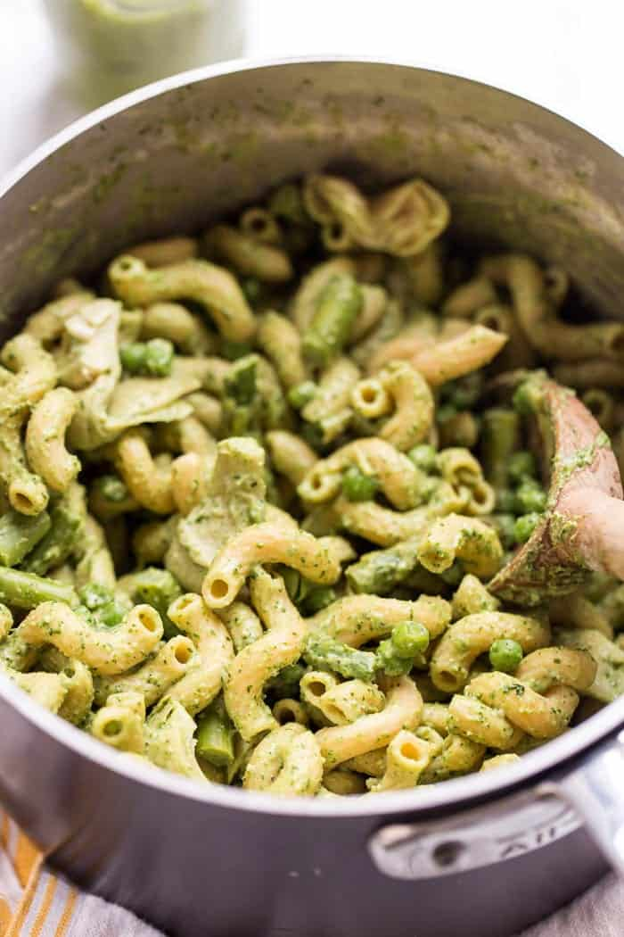 how to make vegan pesto pasta in just one pot