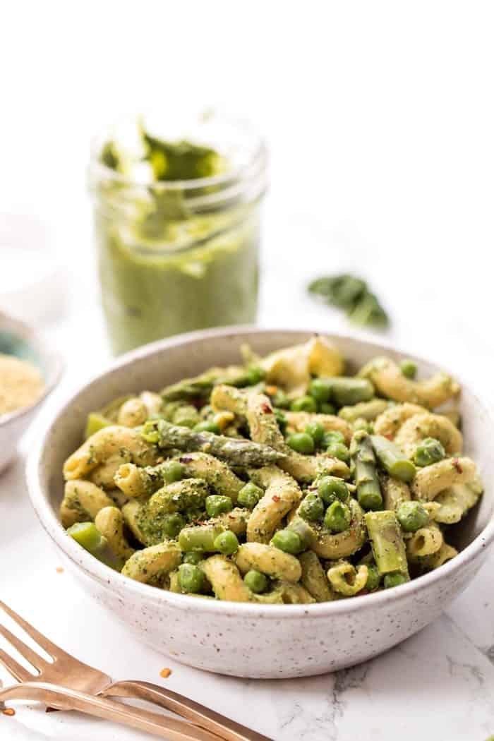 vegan pesto pasta with peas and asparagus