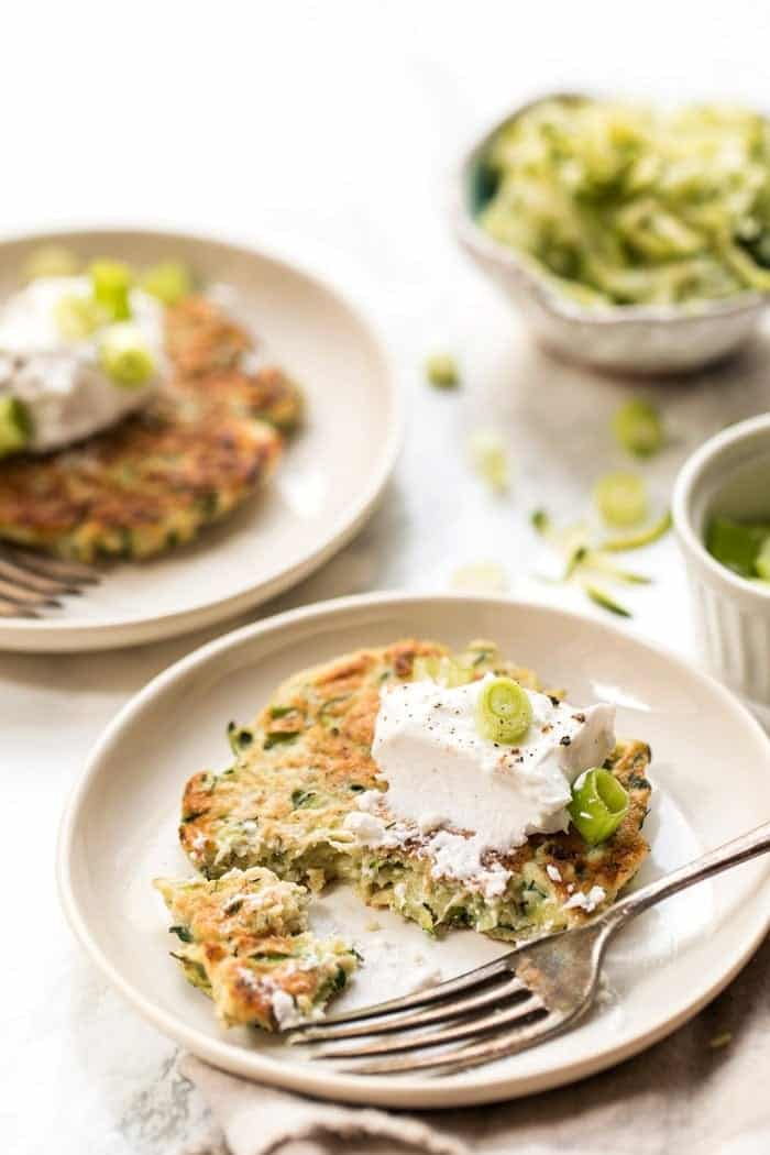 how to make healthy & gluten-free zucchini fritters