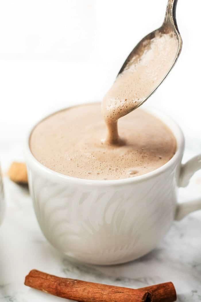 caffeine-free maca latte with just 5 ingredients