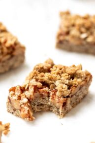Healthy Apple Crumble Bars