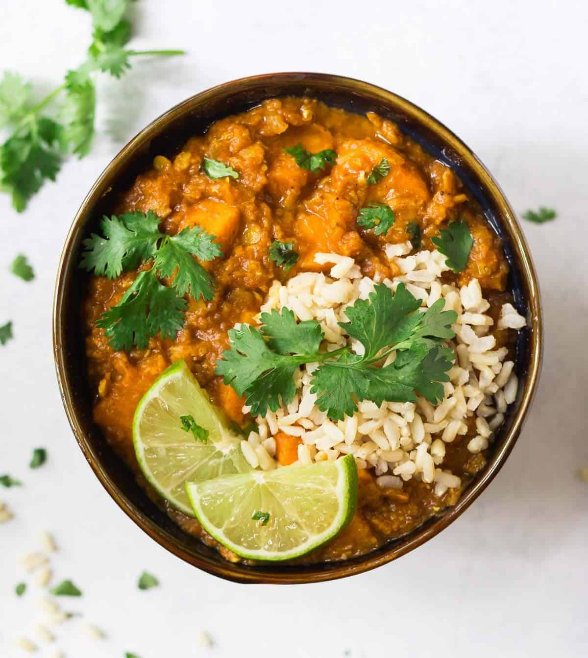 12 Vegetarian Slow Cooker Dinner Recipes