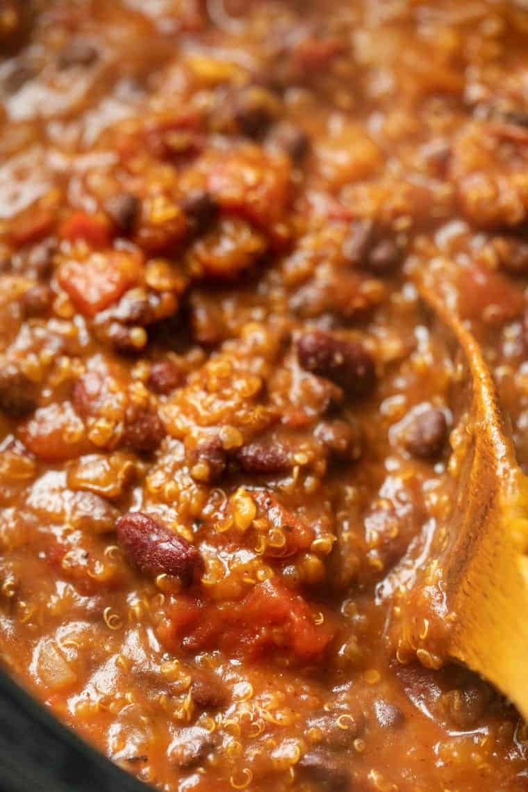 How to make chili in the slow cooker