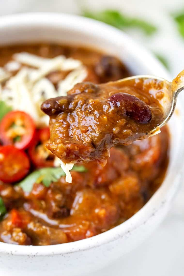 Pumpkin Quinoa Chili in the Slow Cooker