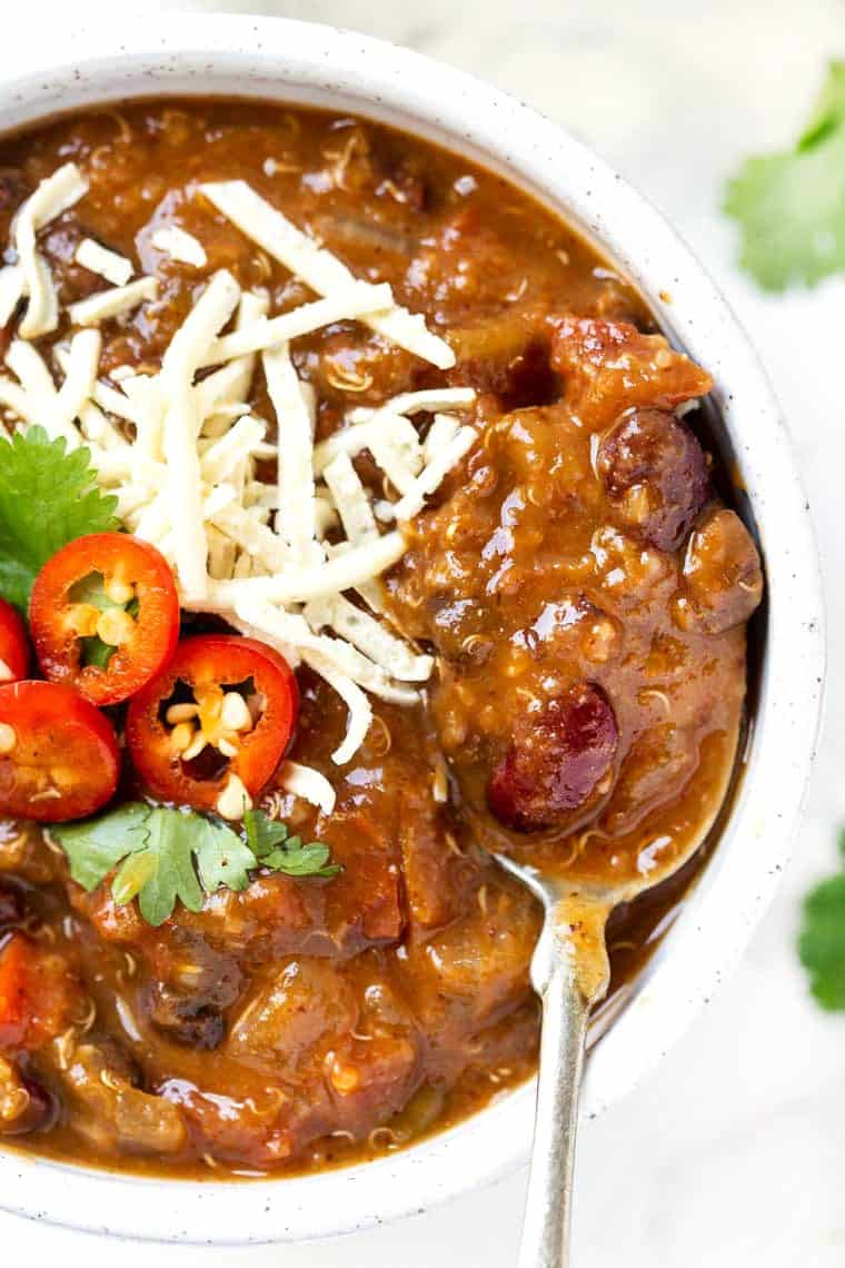 Healthy Vegetarian Quinoa Chili with Pumpkin