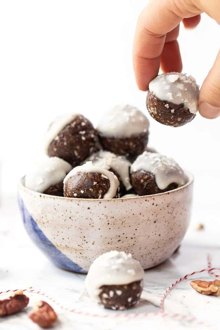 How to make Gingerbread Balls