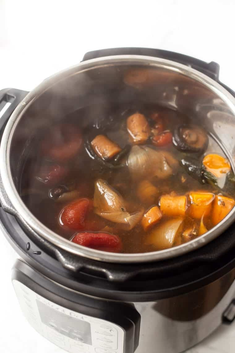 Instant Pot Veggie Broth