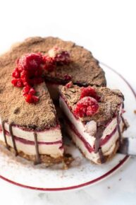 No Bake Vegan Cheesecake with Raspberry