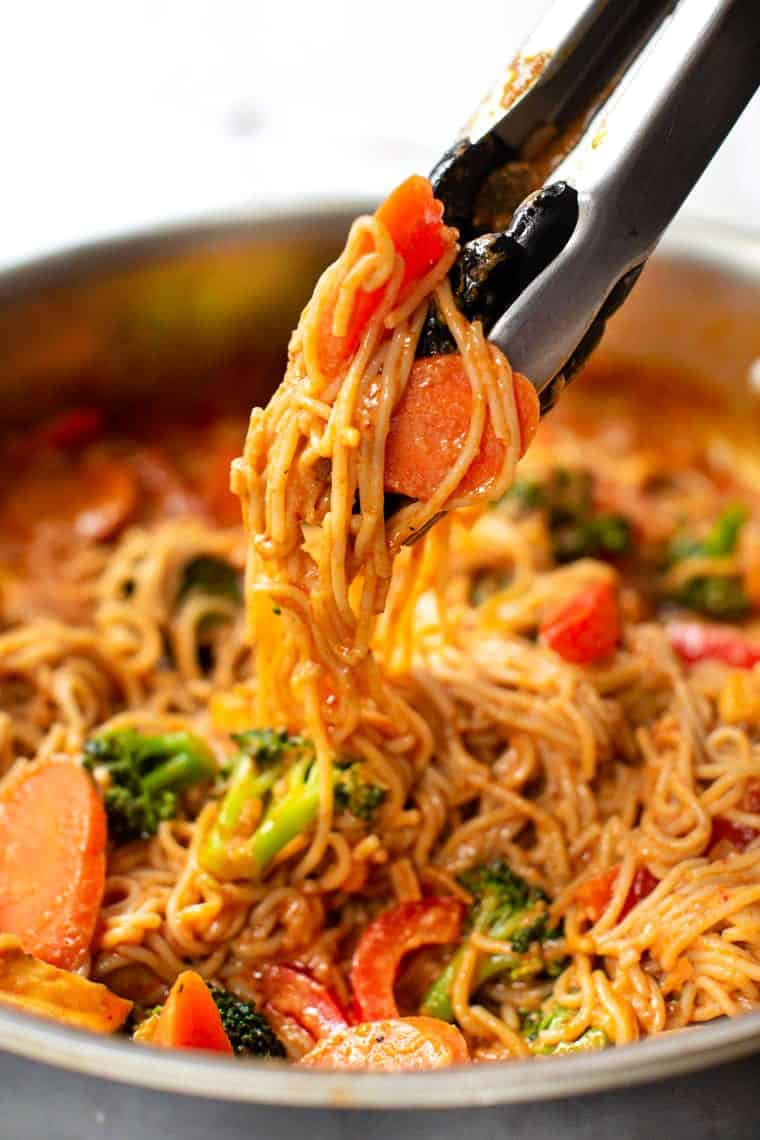 Easy Vegan Red Curry Noodles