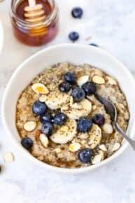 Superfood Quinoa Porridge with Berries