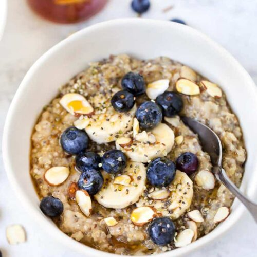 Superfood Quinoa Porridge with Berries
