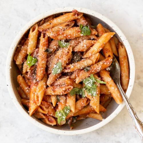 tomato basil pasta recipe made with chickpeas