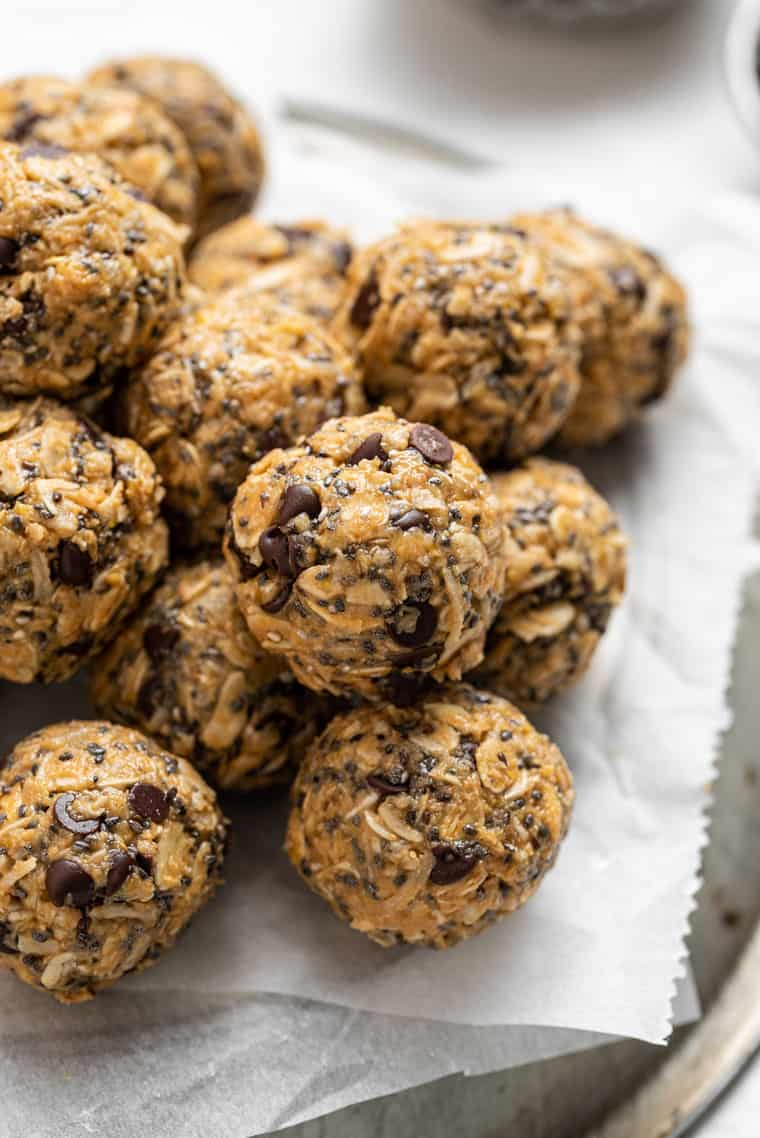 close up on energy bites with peanut butter and chocolate chips