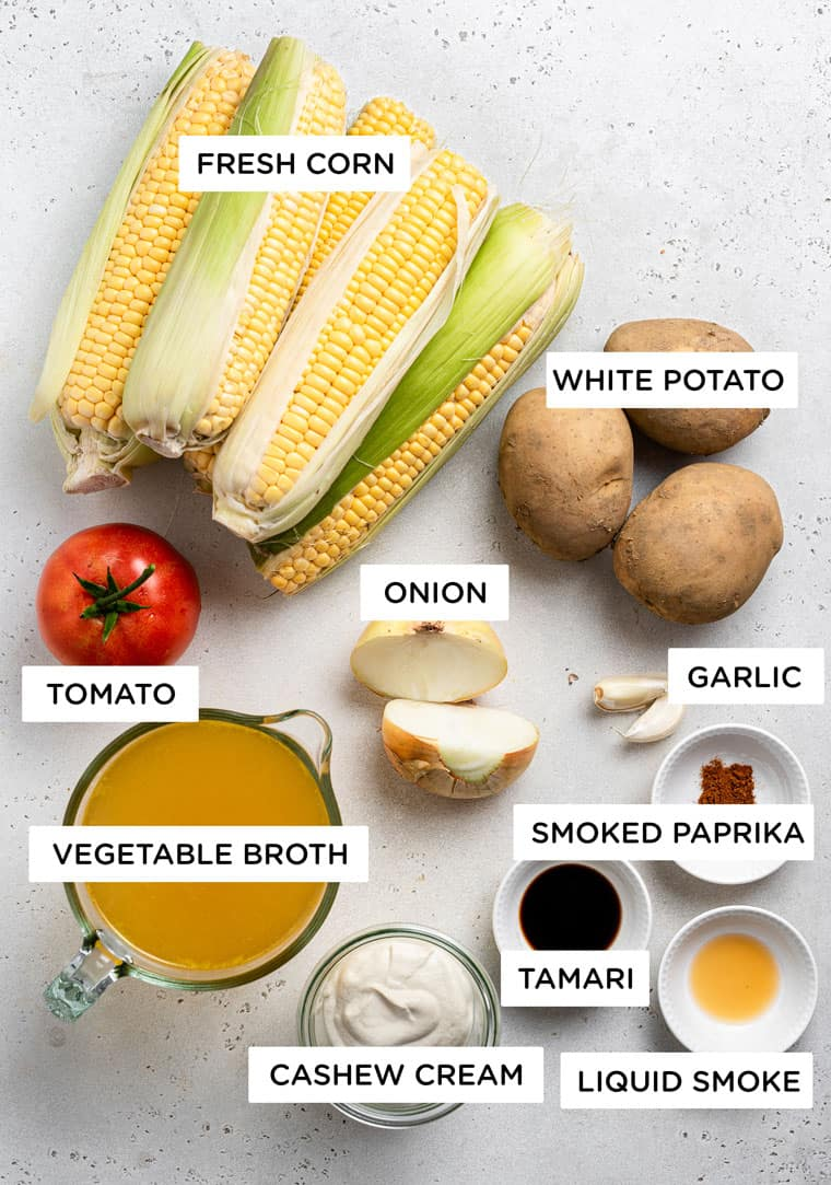 Mısır, patates, soğan, domates, et suyu, kaju kreması ve sarımsaklı çorba için malzemeler