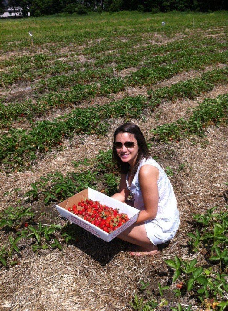Strawberry & Peach Quinoa Breakfast | Gluten-free | Queen of Quinoa