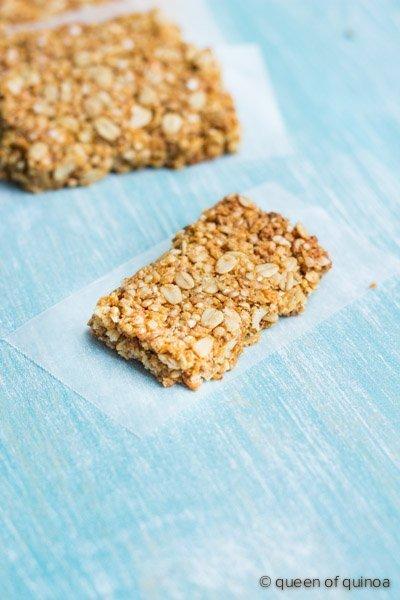 Crispy Quinoa Granola Bars from @alyssarimmer   #glutenfree