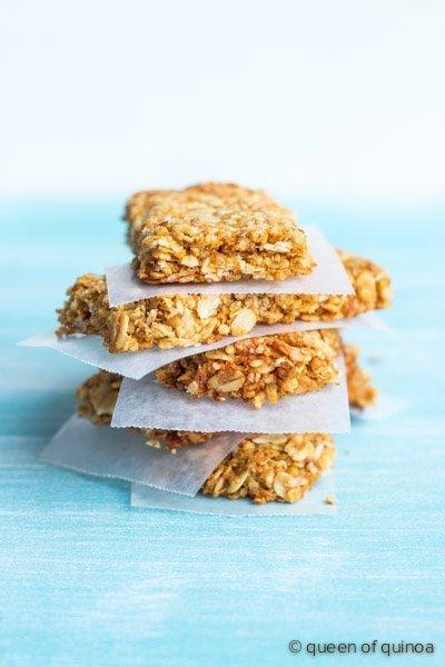 Crispy Quinoa Granola Bars from @alyssarimmer | #glutenfree