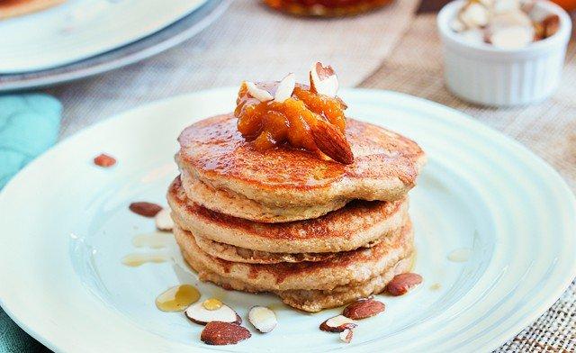 Paleo Vanilla Chai Pancakes | Grain-Free | Queen of Quinoa