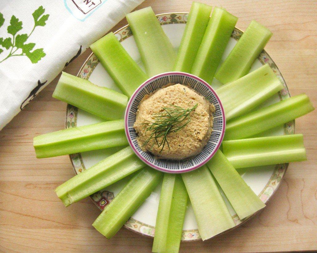 Vegan Cauliflower Hummus | Queen of Quinoa