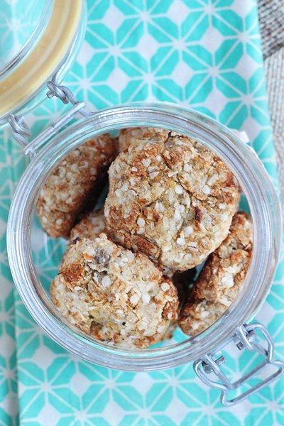 Vegan Lemony Coconut Cookies via Queen of Quinoa (@alyssarimmer)